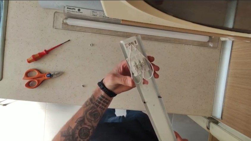 Cambio de un fluorescente por un tubo LED